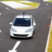 Ассоциация безопасности дорожного движения США требует 100% увеличения безопасности с для автомобилей с автопилотом